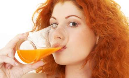 girl drink vegetable juice