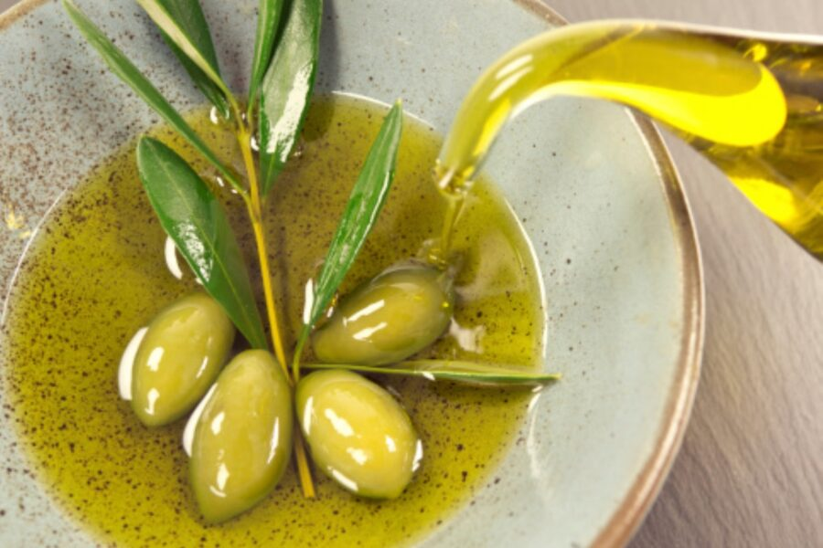 Photo of 12 Health Benefits of Olive Oil With Infographic