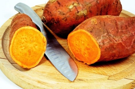 Surprising Benefits of Sweet Potatoes & Tips For Cooking Them Right