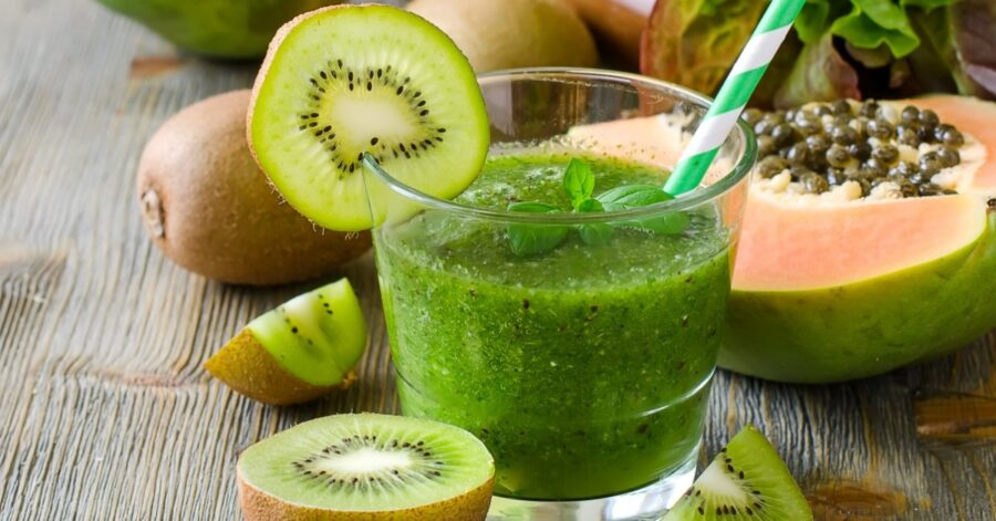 Photo of Papaya Green Smoothie For a Healthy Breakfast or Snack