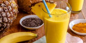 Pineapple Banana Turmeric Smoothie