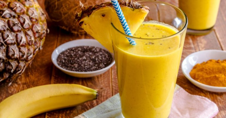 Pineapple Banana Turmeric Smoothie