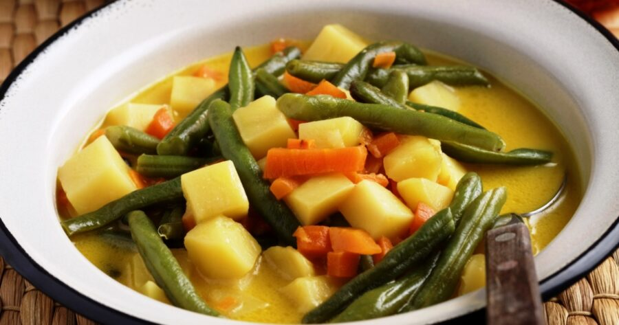 Photo of Curried Green Beans and Potatoes For a Healthy Meal