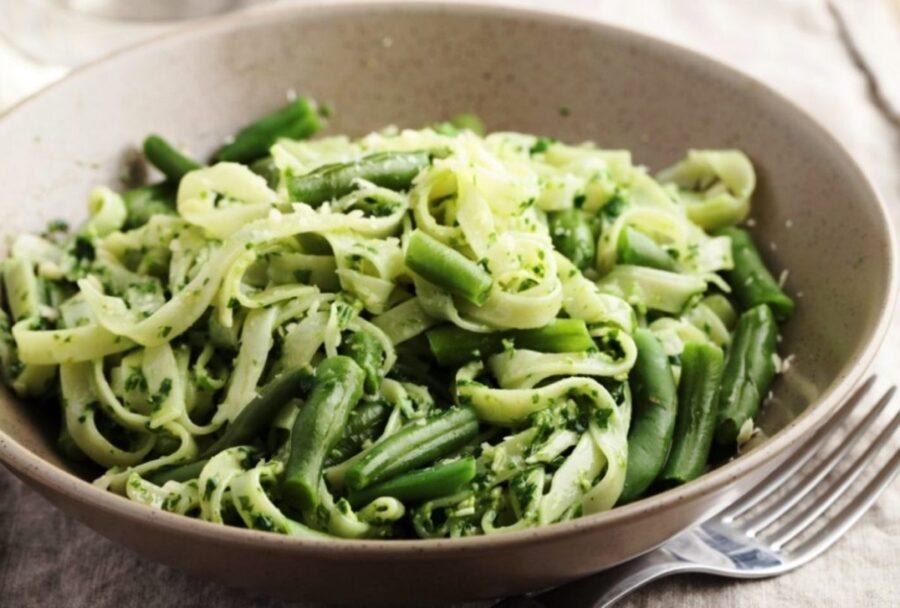 Photo of Yummy Pesto Pasta Green Beans
